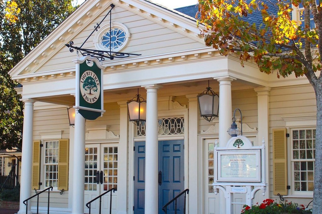 Top 12 Disney Park Spots To Grab A Meal