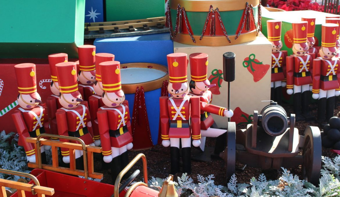 Have A Holly Jolly (Virtual) Disney Christmas This Year